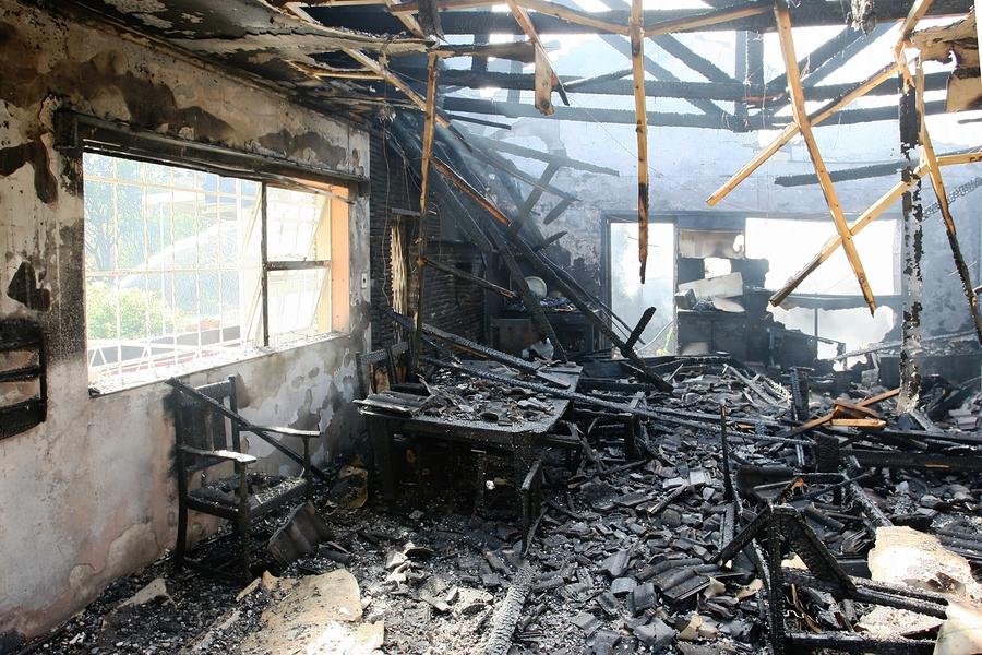 Ein Feuerschaden kann Privatpersonen und auch Unternehmen in die Insolvenz führen
