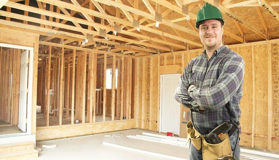 Eine Gebäudeversicherung kann hilfreich sein.
