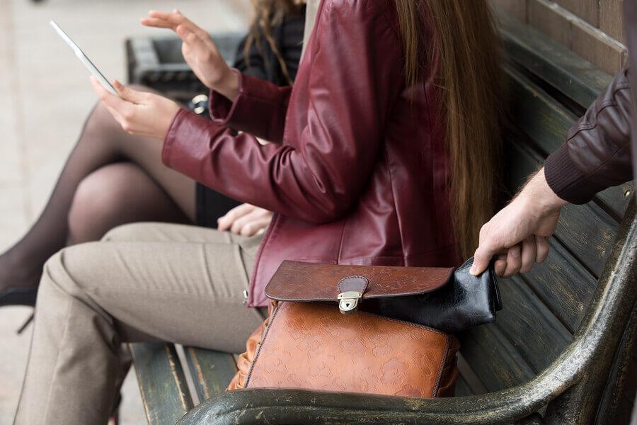 Handversicherung mit Diebstahlschutz für das Smartphone